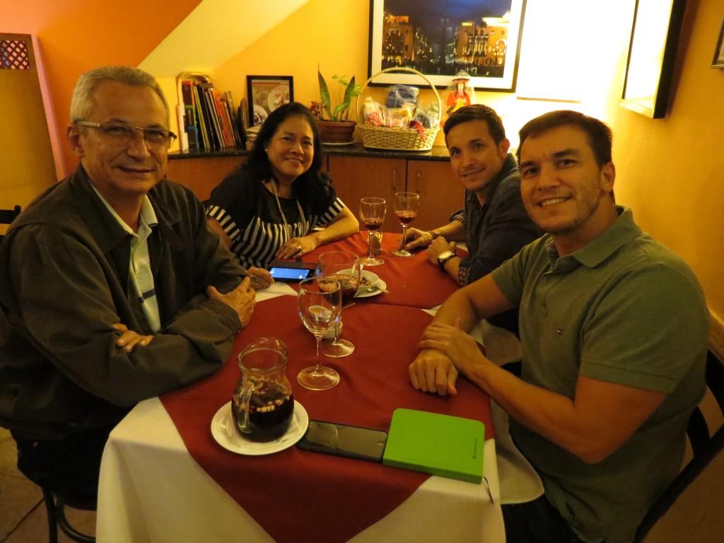 intihuasi-jantar-anfitrioes