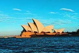 """<a href=""""http://www.maiorviagem.net/?page_id=41962""""><font color=""""#FFFFFF"""">Austrália</font></a><br>"""