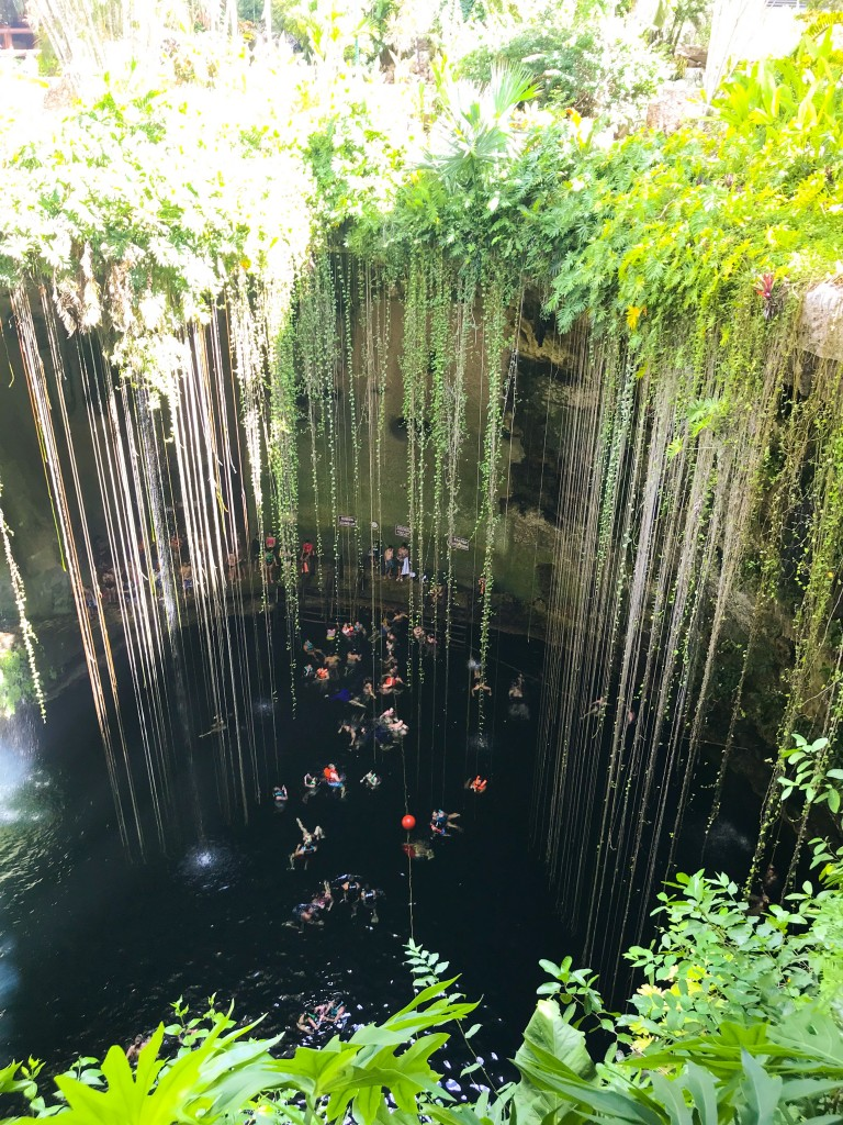 cenote-ik-kil-cancun