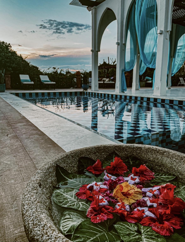 hotel-na-praia-da-ferradura-pedra-de-laguna-14
