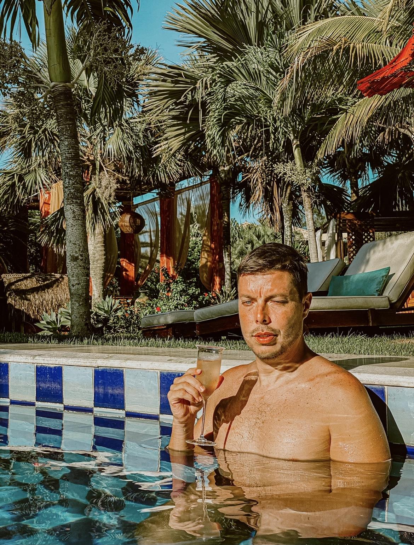hotel-na-praia-da-ferradura-pedra-de-laguna-4