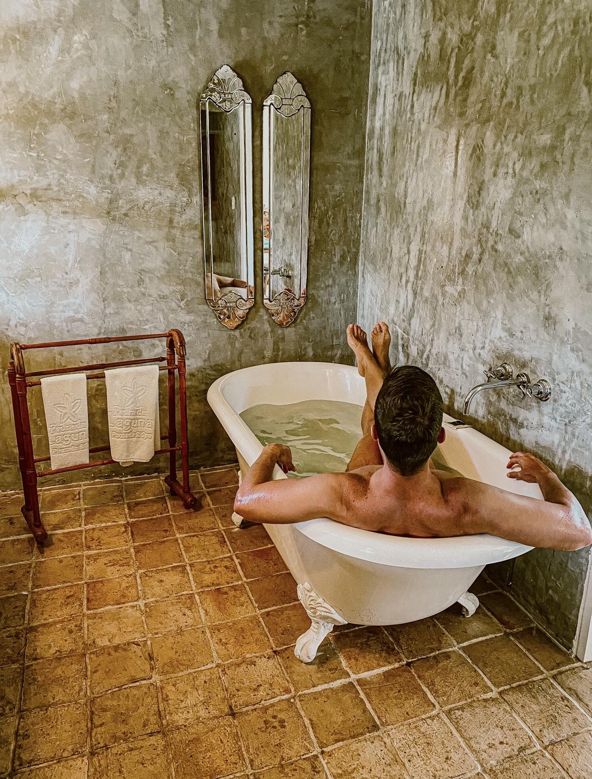 hotel-na-praia-da-ferradura-pedra-de-laguna-6