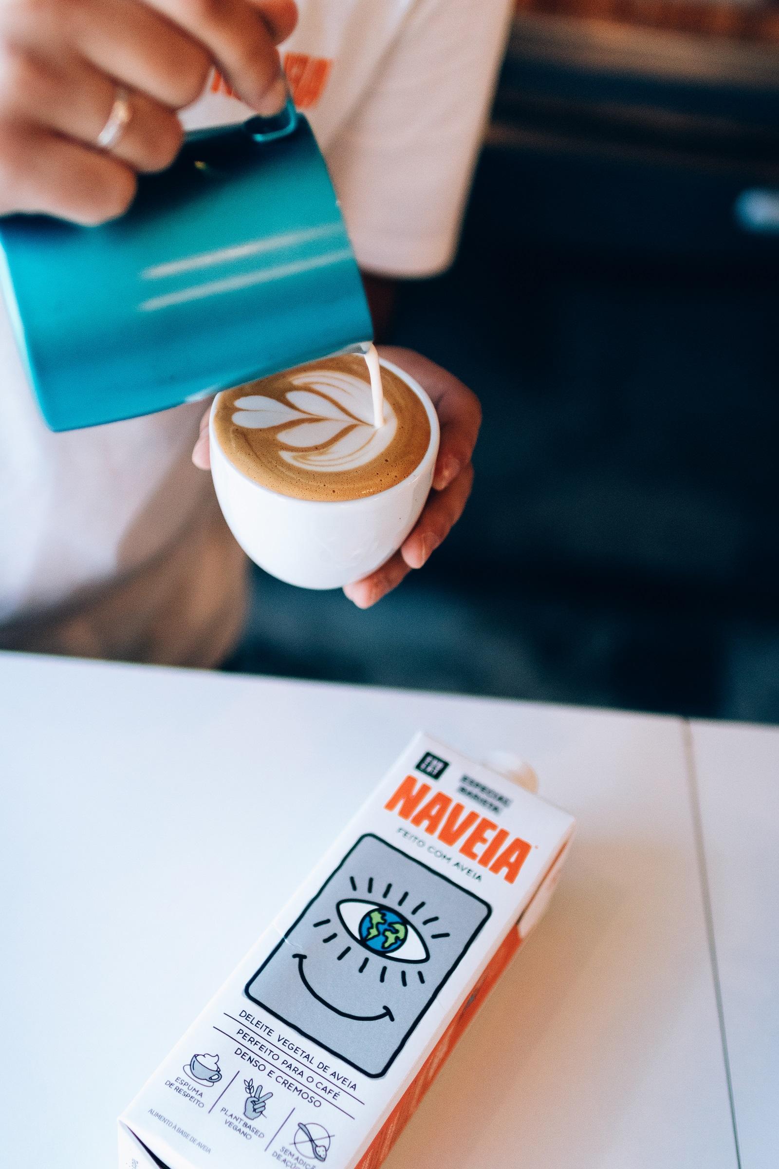 Naveia-Barista_latte-art-4_credito-divulgacao