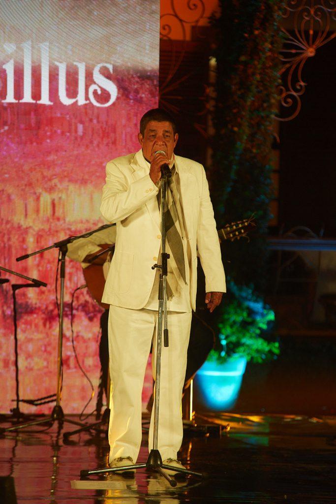 DeMillus realiza evento digital beneficente com Zeca Pagodinho